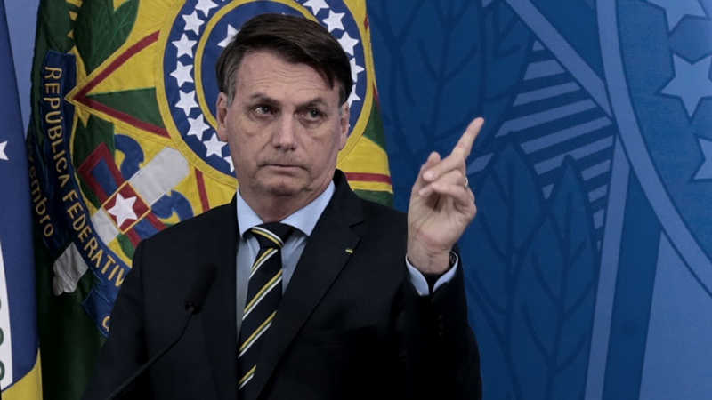 Bolsonaro desautoriza a su ministro de Salud y dice que no comprará la vacuna china
