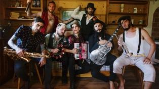 """La Fanfarria del Capitán: la banda de """"La Casa de Papel"""" que apuesta desde el aislamiento"""