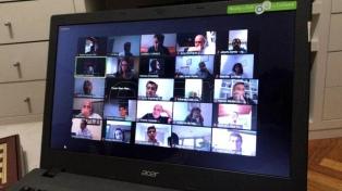 El presidente de la UCR recorre el país vía online y planea reuniones virtuales con cada comité