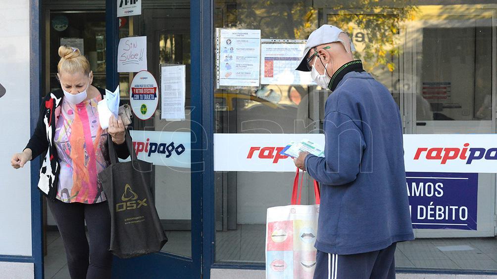 Los locales de pago de servicios seguirán atendiendo esta semana en base al DNI