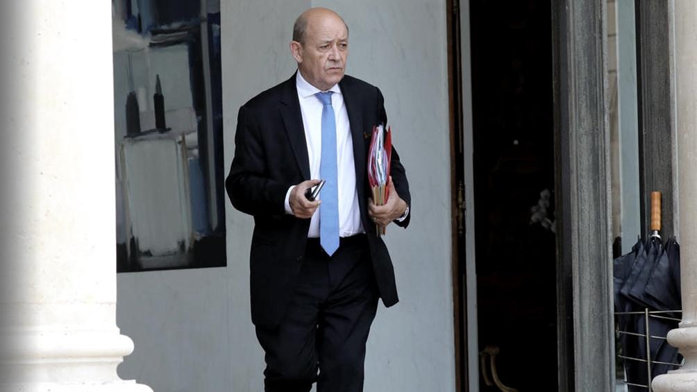 El canciller francés presentó un borrador para exigir el alto al fuego