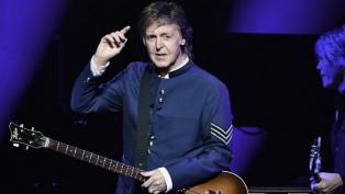 """McCartney pide justicia para la familia de Floyd porque """"no decir nada no es una opción"""""""