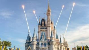 Disney despidió a 70.000 personas de sus parques y Florida pagará el desempleo