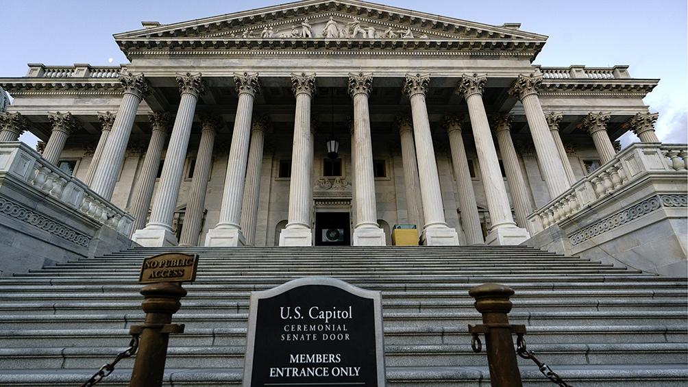 Los republicanos poseen hoy una mayoría de 53-47 en el Senado y el 3 de noviembre se jugarán 35 bancas, 23 en manos de ellos y 12, de los demócratas.