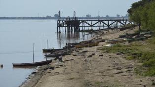 El río Paraná, con 0.49 metros de altura en la capital entrerriana, superó una marca de 1971