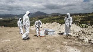 México pasa las 8.000 muertes que esperaba el gobierno y el presidente pide paciencia