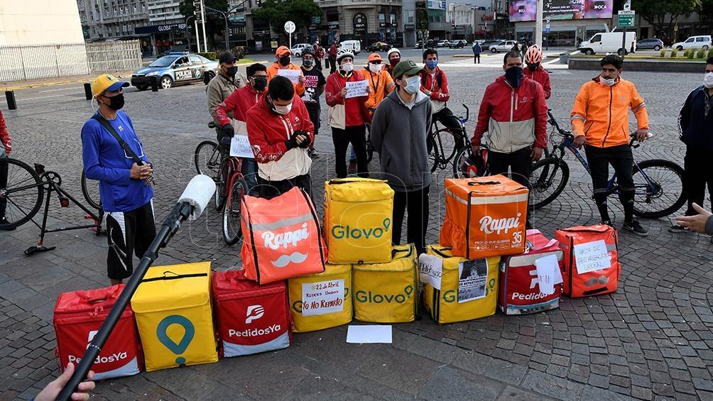 Los trabajadores de reparto van al paro en reclamo de elementos de  seguridad y aumento salarial - Télam - Agencia Nacional de Noticias