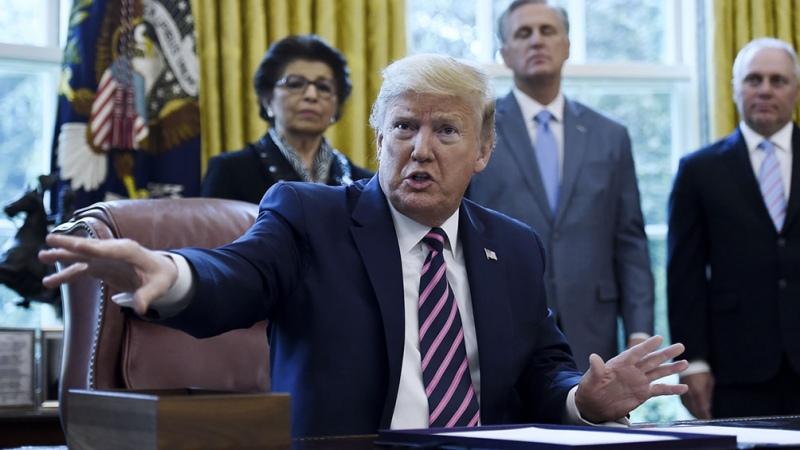 Trump da un ultimátum a Tik Tok: vende las acciones en un mes y medio o la prohíbe