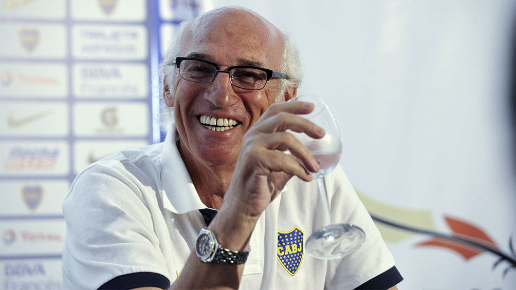 Aislado en Barrio Parque, Carlos Bianchi celebra sus 71 años