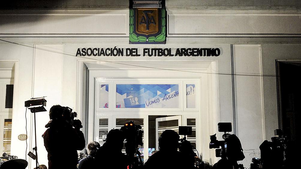 El fútbol no rompe con el patriarcado: una sola mujer en el nuevo Comité Ejecutivo de AFA