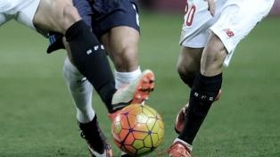 """Un infectólogo vaticina que """"diciembre es un mes de seguridad para la vuelta del fútbol"""""""