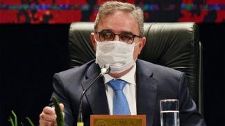 """El gobernado Jalil piensa que las PASO son """"una encuesta demasiado cara""""."""