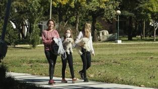Instan a realizar caminatas para evitar que el aumento de peso derive en diabetes