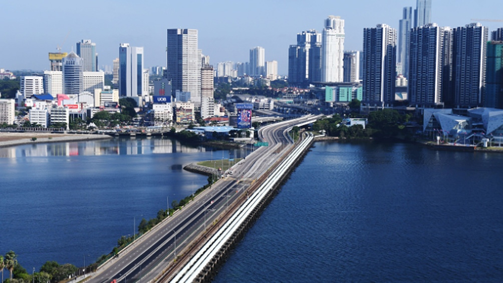 Hong Kong suspende corredor aéreo con Singapur por aumento de casos