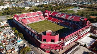 Un fútbol con capacidad reducida en estadios y público con barbijos
