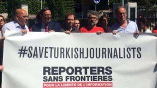 Denuncian detenciones de periodistas en Turquía por sus coberturas de la pandemia