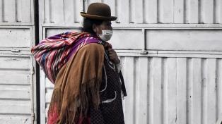 Bolivia mantiene el cierre de fronteras y vuelos pero abre templos
