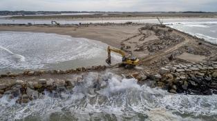 Se reanudan obras en Mar Chiquita para mitigar el impacto de la erosión costera