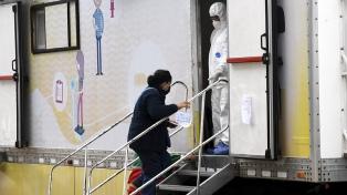 """Hallaron 39 casos sospechosos en el operativo """"casa por casa"""" en el Barrio 31"""