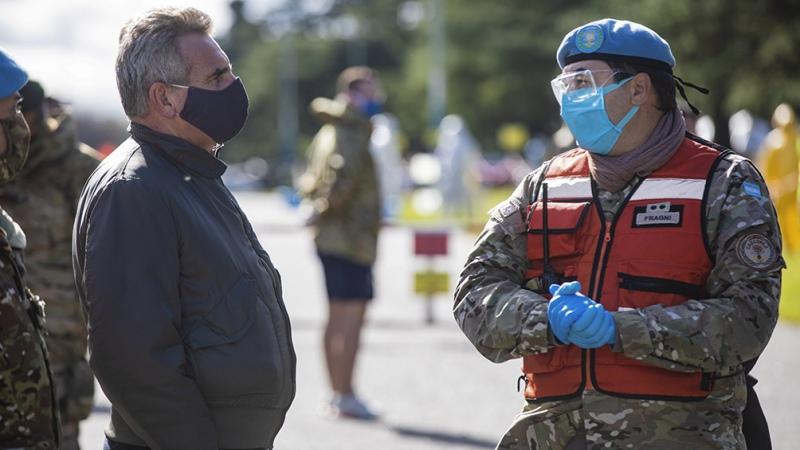 """Rossi: tras la pandemia """"se fortalecerá el vínculo"""" de las FF.AA con la sociedad"""