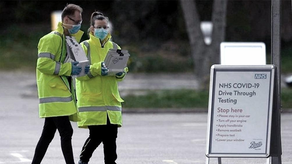 Más de la mitad de los que abandonan el país citaron el Brexit como motivo de su decisión, según una encuesta realizada en 2020 por el consejo de enfermeros y obstetras. Foto: AFP.