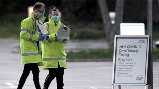 Antes de flexibilizar el aislamiento, Londres precisa que son 32.692 los muertos
