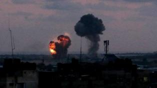 Israel bombardea tres puestos militares de Hamas en Gaza