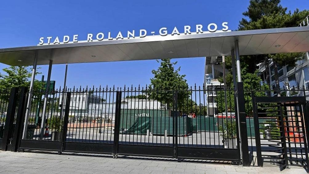"""Cinco jugadores excluidos de Roland Garros por """"positivo"""" en coronavirus"""