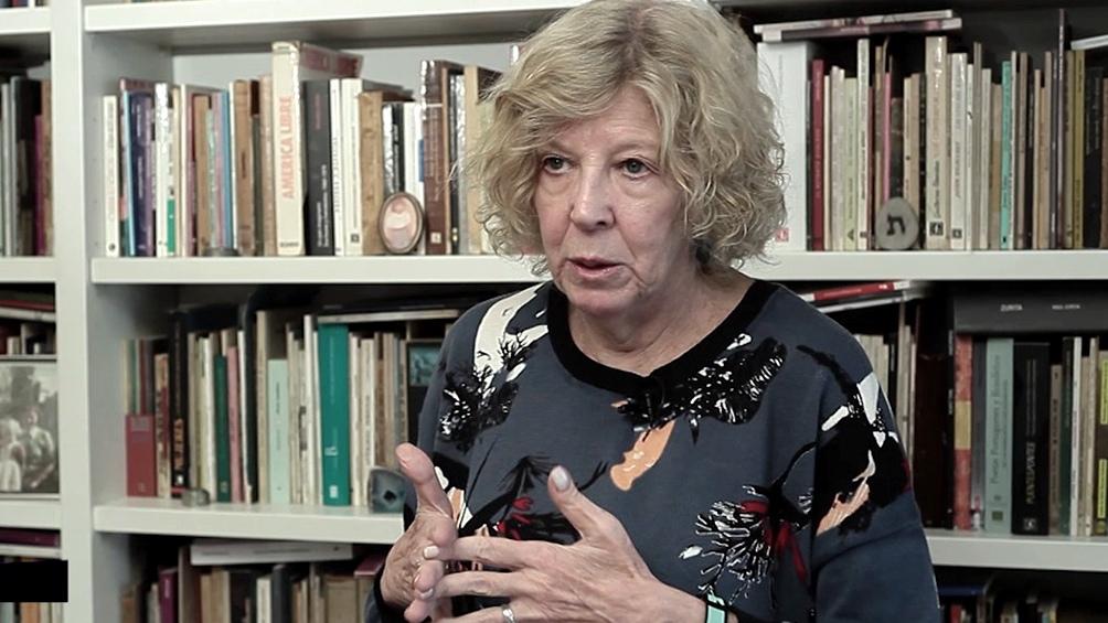 """La poeta y ensayista Tamara Kamenszain publicará a través del sello Eterna Cadencia el libro """"Chicas en tiempos suspendidos"""""""