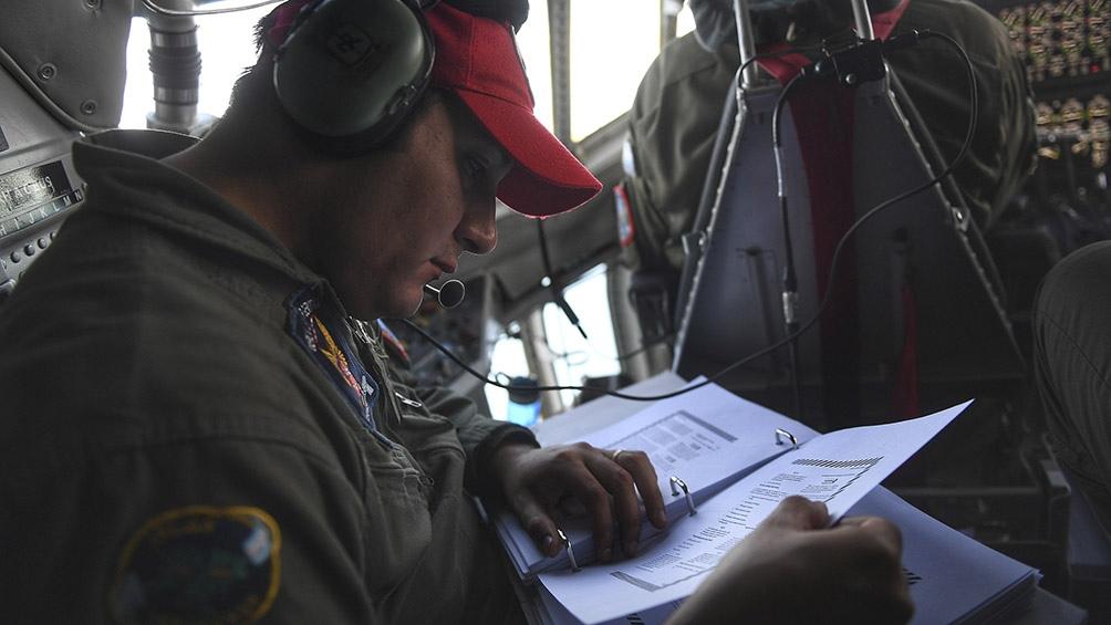 El primer destino del avió fue Trelew, donde se entregaron 225 cajas de insumos y testeos, Foto: Ramiro Gómez (Télam)