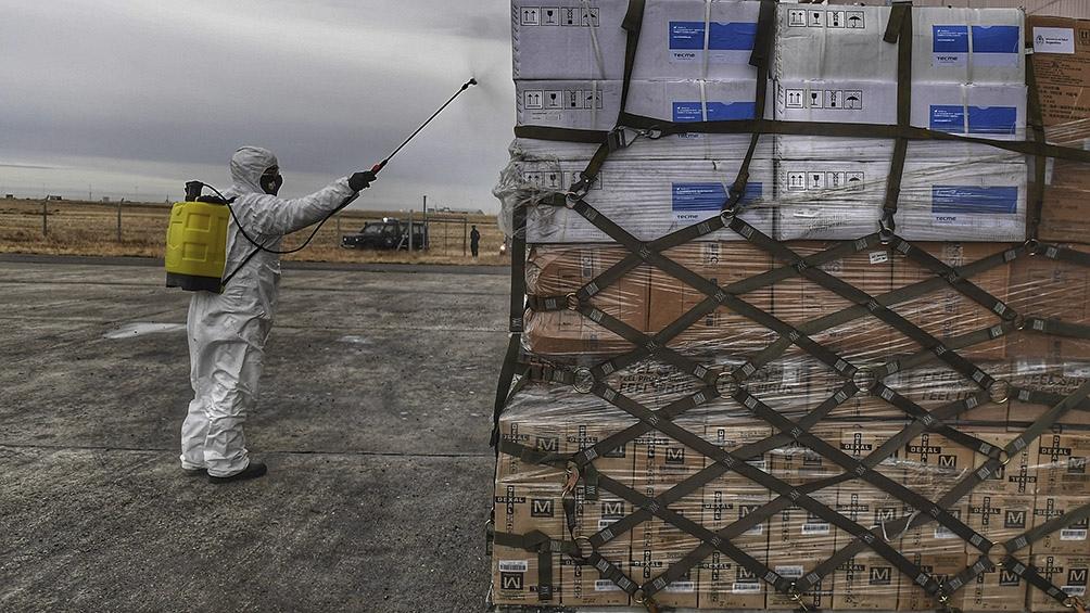 El vuelo fue comandado por el jefe del Escuadrón I C-130, vicecomodoro Sebastián Coria. Foto: Ramiro Gómez (Télam)