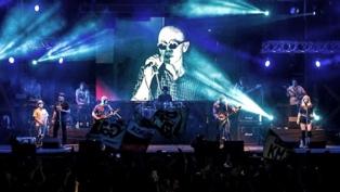 Publican el video del holograma del Indio Solari en los últimos shows de su banda en el Malvinas