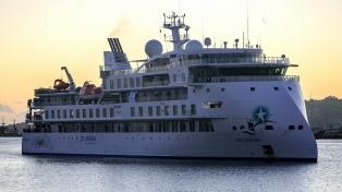 Evacuaron a tripulantes de un crucero y los alojaron en hoteles de Montevideo