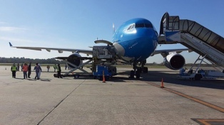 Llegaron dos aviones de China con equipamiento sanitario para combatir el coronavirus