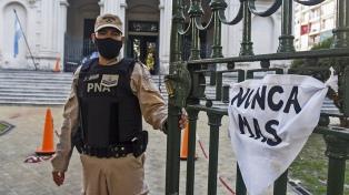 Condenan a 10 ex policías a penas de entre 16 años y prisión perpetua