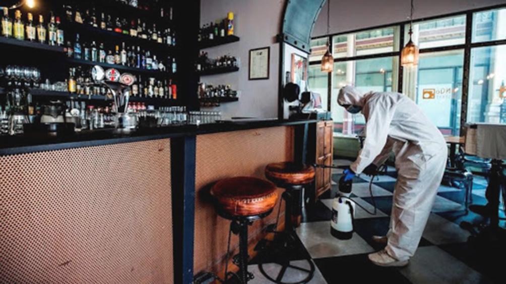 Bares y restaurantes abren sus puertas en Salta, bajo estrictas normas de seguridad sanitaria