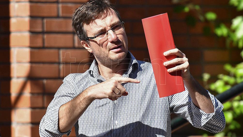 El intendente de Morón trabajará desde su casa luego de que su padre diera positivo por coronavirus