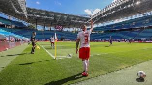 Bayern Múnich aplasta a Fortuna Dusseldorf y sigue su camino al título