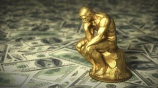 Leve baja del petróleo por dudas en la recuperación económica y el oro cruza los U$S 2.000