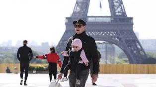 Francia reabrirá cines y casinos y autorizará el deporte en equipo
