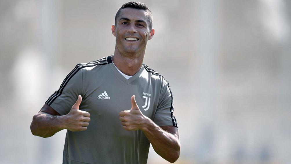 """La rápida eliminación de la Juventus de la Champions League habría decidido a CR7 """"a pensar en cambiar de aire""""."""