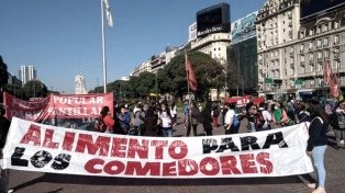 Organizaciones piqueteras de izquierda realizan protestas en reclamo de asistencia alimentaria