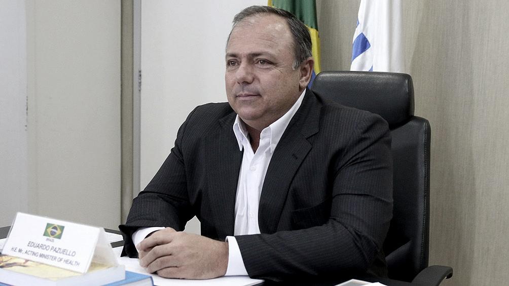 Pazuello anunció su positivo al virus el pasado 21 de octubre, tras sentir fiebre y dolor de cabeza, y desde entonces cumple su agenda en cuarentena en Brasilia.