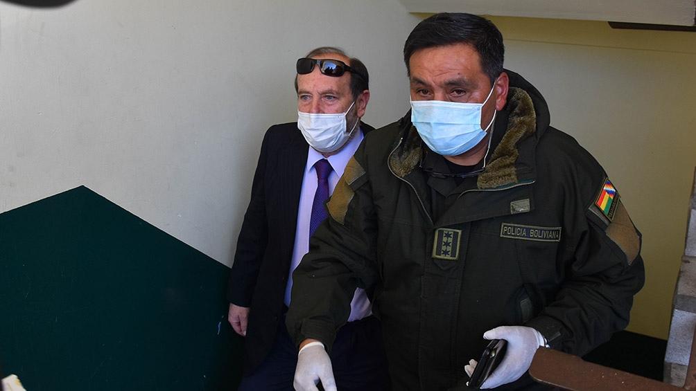 Arrestan y echan al ministro de Salud boliviano por presuntos ...
