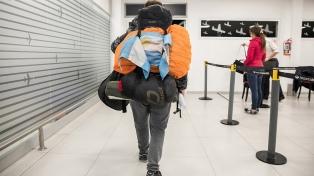 Más de 800 argentinos retornan al país desde Asia y África