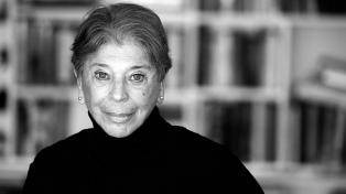 """Vivian Gornick resignifica las formas de habitar la soledad en """"Mirarse de frente"""""""
