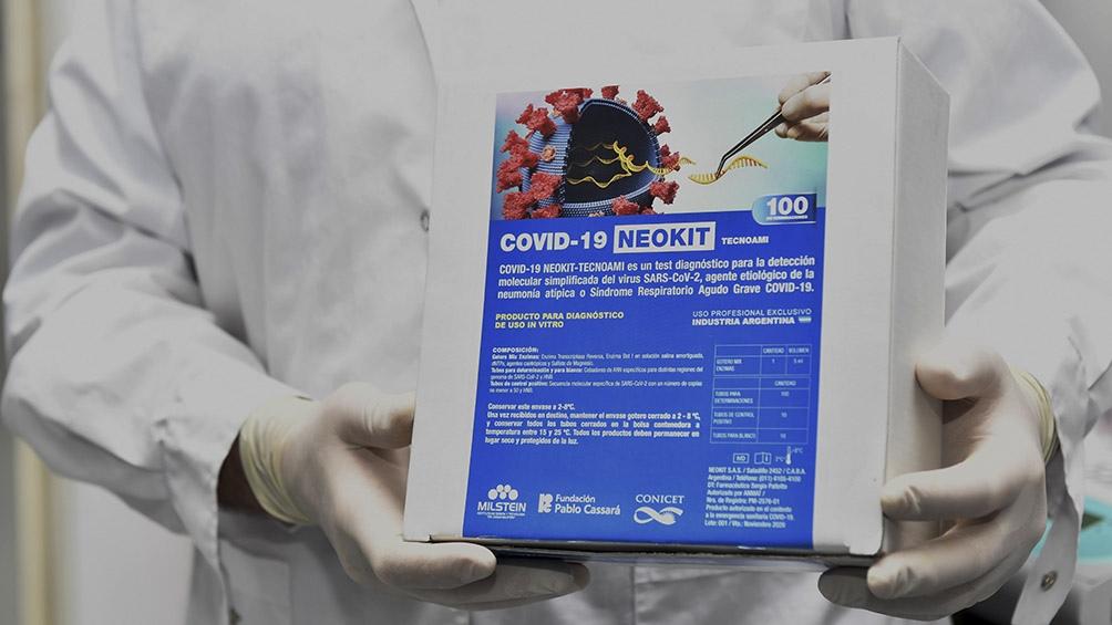 """""""Esto nos permite enfrentar el control de la pandemia de otro modo"""", afirmó Alberto Fernández al presentar el test en Olivos Foto: Alejandro Santa Cruz (Télam)."""