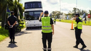 Las ciudades turísticas de todo el país se blindaron para evitar la llegada de turistas