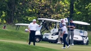 Trump retoma sus partidos de golf tras más de dos meses