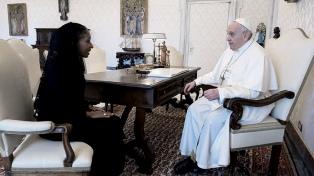 La embajadora ante el Vaticano presentó sus cartas credenciales al Papa